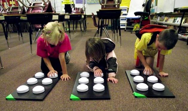 ninos-en-una-escuela-de-braille